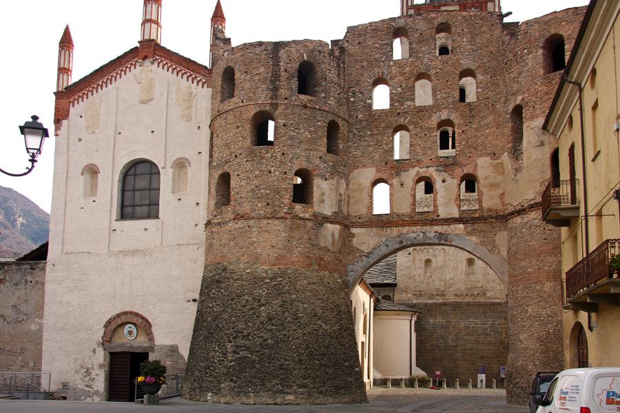 Cattedrale di San Giusto a Susa - Arrivo Via Francigena Marathon in Val di Susa 2020